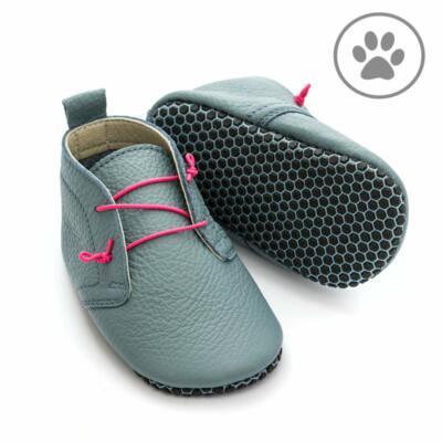 Szürke-pink gumifűzős, talpán tapadókorongos, Liliputi, puhatalpú cipő (S)