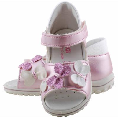 Rózsaszín, masnis, lábszélességre állítható Primigi szandál