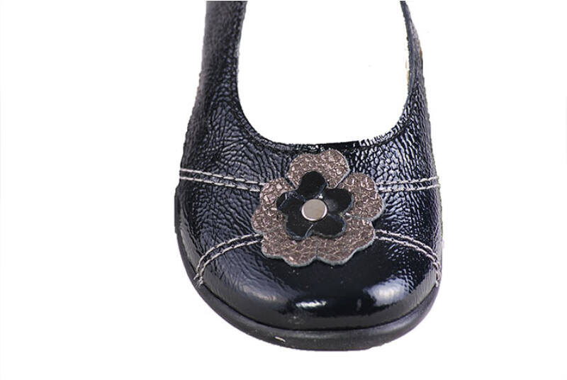 Falcon fekete lakk, virágos pántos balerina cipő